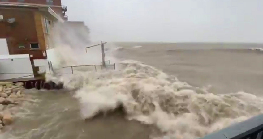 Storm Surge High Lake Michigan Water Levels 2020
